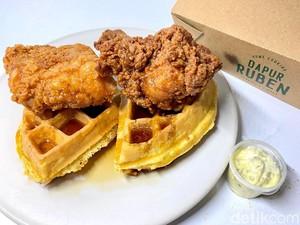 Menyantap Fried Chicken dengan Waffle, Seperti Apa?