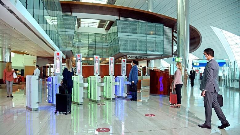 Layanan Tanpa Sentuh Emirates