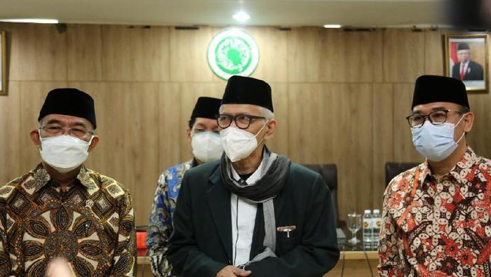 Menko PMK Muhadjir Effendy dan Ketua Umum MUI Miftachul Achyar
