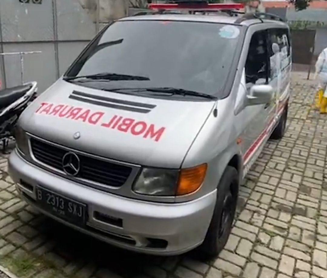 Mercedes-Benz Vito milik Ananda Omesh yang jadi mobil darurat