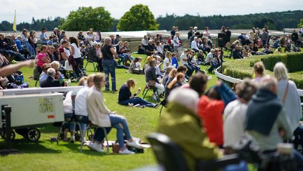 The Great Yorkshire Show adalah acara pertanian yang digelar oleh masyarakat Pertanian Yorkshire, Inggris. Tahun ini kapasitas pengunjung atau penonton dibatasi hingga maksimal 26.000 orang per hari untuk meminimalkan potensi keramaian dan memastikan jarak sosial dapat dilakukan di area lapangan.