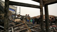 Potret Evakuasi Korban Kebakaran RS COVID-19 di Irak