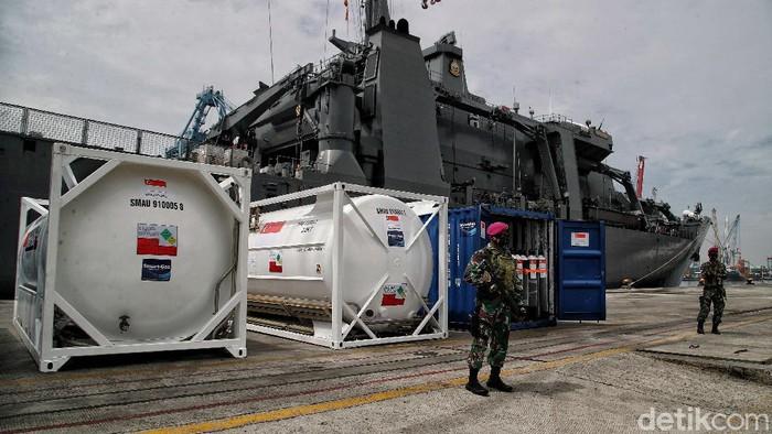 Bantuan untuk Indonesia dalam tangani pandemi COVID-19 datang dari sejumlah negara, salah satunya Singapura. Bantuan yang diberikan salah satunya alat kesehatan