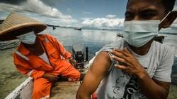 TNI AL melalui Lantamal VIII/Manado mengerahkan satu unit kapal patroli untuk menjangkau wilayah kepulauan dan mempercepat upaya vaksinasi COVID-19.