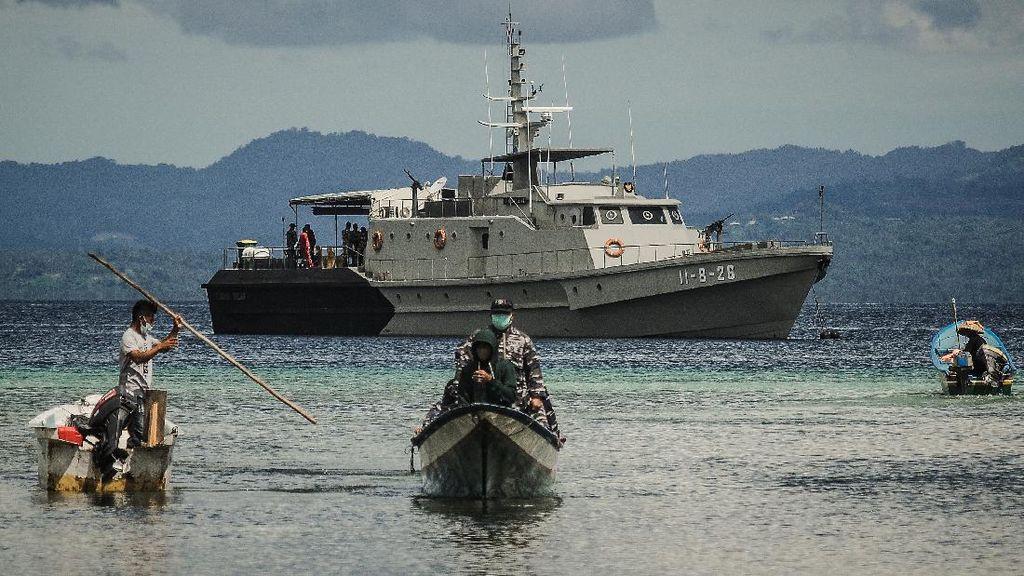 TNI AL Ujung Tombak Vaksinasi COVID-19 Warga Maritim