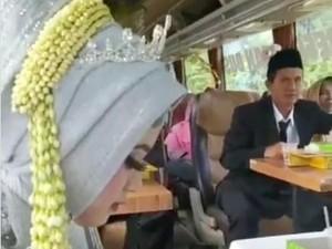 Viral Akad Nikah di Bus Disebut Biar Nggak Dibubarin, Ini Fakta Sebenarnya