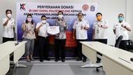 PT Kemenangan Serahkan Donasi 20 Unit Kapal PE ke BPBD DKI Jakarta