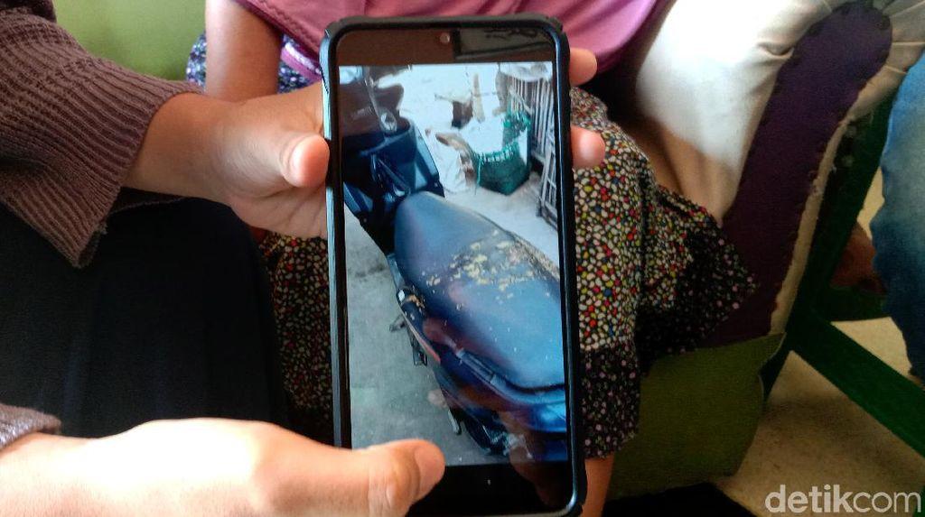 Foto-foto Teror Lempar Tinja yang Viral di Kudus