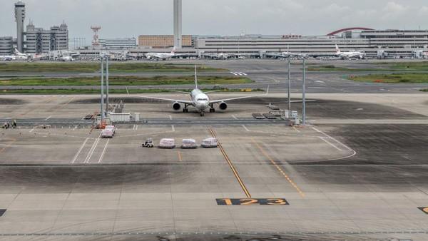 Pemerintah Jepang menyiapkan pesawat khusus untuk mengevakuasi warga negaranya dari Indoensia. Yuichi Yamazaki/Getty Images.