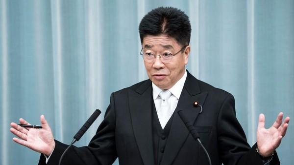 Menteri Sekretaris Kabinet Jepang, Katsunobu Kato mengatakan hal itu disiapkan sebagai langkah antisipasi peningkatan kasus COVID-19 di Indonesia. Tomohiro Ohsumi/Getty Images.