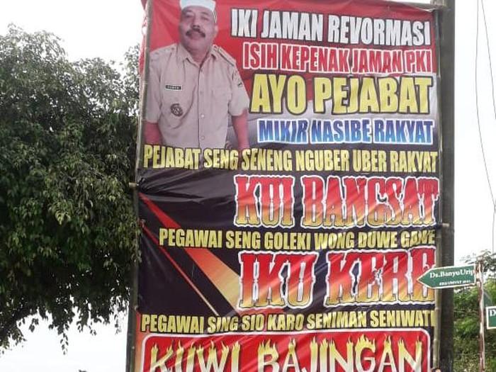 Kades di Sragen pasang baliho maki pemerintah enak zaman PKI, Kamis (15/7/2021).