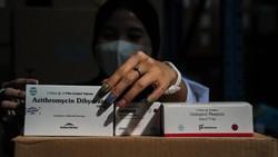 PPKM Lanjut, Jokowi Siapkan 2 Juta Paket Obat Isoman COVID-19 Gratis