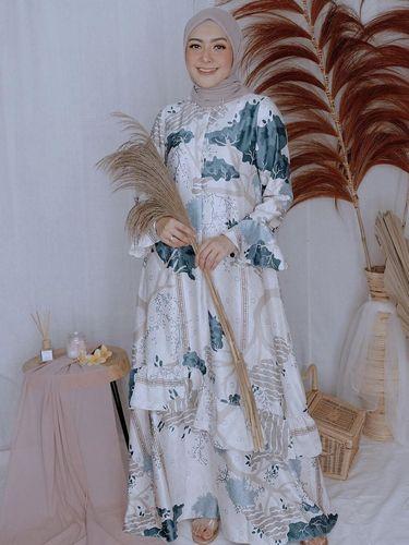 Padu padan gaya hijab ala Richa Iskak untuk hari Raya Idul Adha.