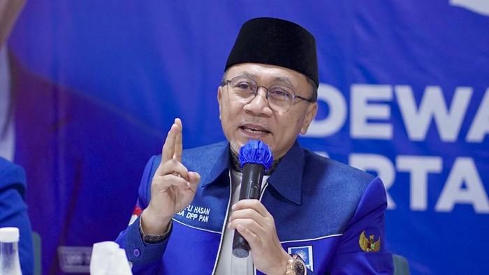 Ketum PAN Zulkifli Hasan (Zulhas) dalam rapat koordinasi yang digelar secara virtual bersama DPW, DPD dan anggota legislatif dari PAN, di DPP PAN, Jakarta, Kamis (15/7/2021).