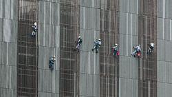 Kecemasan Buruh: Badai PHK Masih Ada Sampai Tahun Depan!