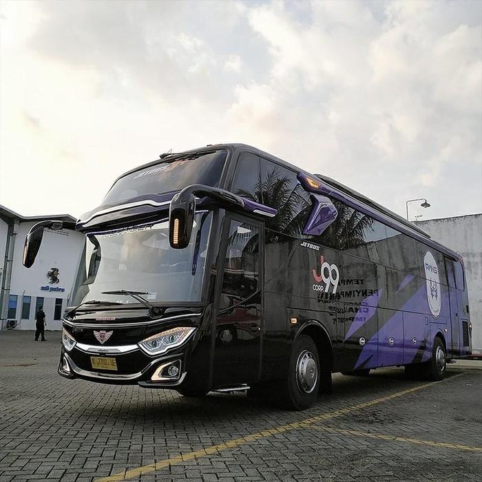 Bus Rans Cilegon FC sumbangan crazy rich Malang