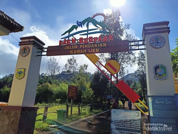Gerbang Masuk Pendakian Kawah Ijen