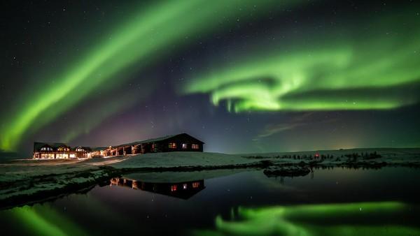 Salah satu hotel di Islandia yang bernama Ranga mencari fotografer handal untuk memotret aurora. Durasi kerjanya selama satu bulan. (Hotel Ranga)