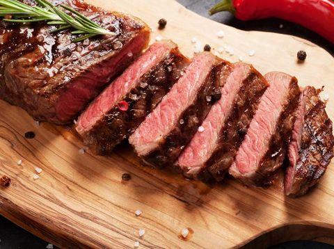 Mau Bikin Steak dari Daging Kurban? Ikuti Tips 'Dims The Meat Guy'
