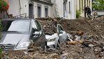 Mobil-mobil Ini Jadi Korban Banjir di Belgia