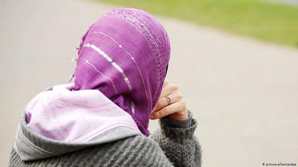 Pengadilan Uni Eropa Izinkan Larangan Jilbab di Tempat Kerja dengan Syarat