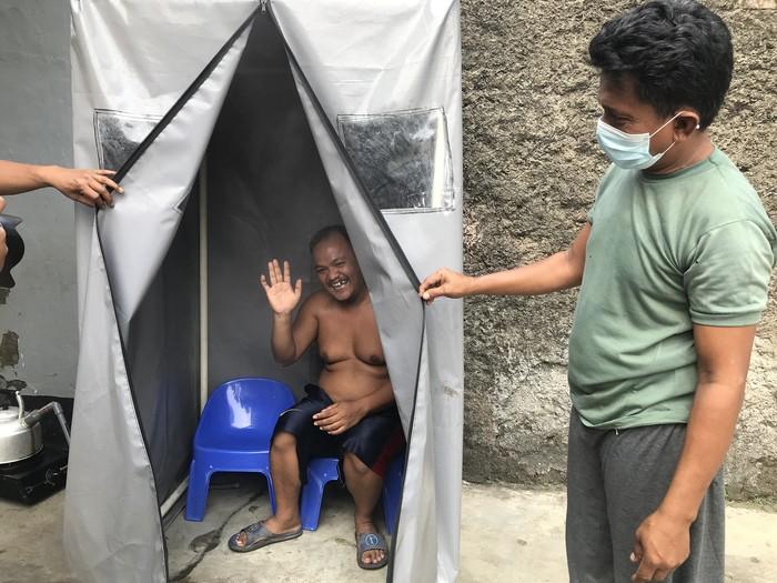 Bilik sauna viral untuk tingkatkan imun lawan Corona (Nur Aziza-detikcom)