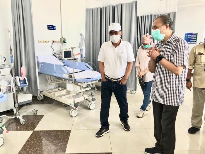 Direktur Pertamina Cek Kesiapan Tank Oksigen di RSDC Asrama Haji
