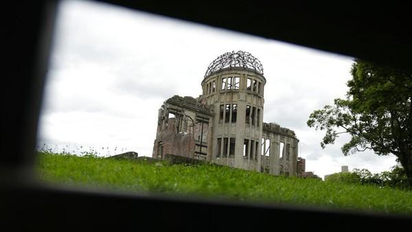 Monumen yang berupa sebagian gedung yang tersisa akibat ledakan bom atom merupakan salah satu Situs Warisan Dunia UNESCO sejak tahun 1996.