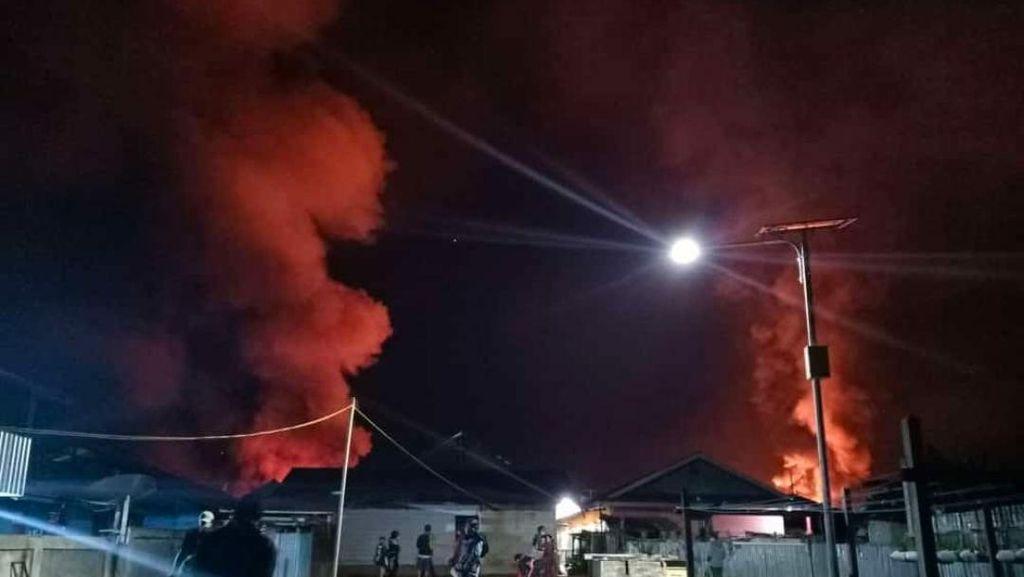 Penampakan Permukiman di Dogiyai Dibakar OTK hingga Lukai 2 Paskhas AU