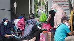IGD Penuh, RSUD Jayapura Rawat Pasien di Luar Ruangan