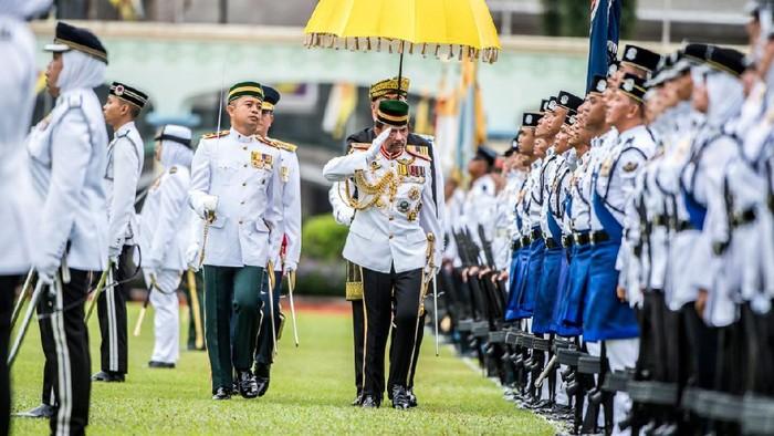 Brunei Darussalam menjadi negara yang mencetak rekor dengan minim kasus COVID-19. Jika ditemukan kasus COVID-19 baru, itu merupakan kasus dari negara lain. Usai mencetak rekor, Brunei Darussalam melonggarkan pengetatan dengan mulai menggelar perayaan ulang tahun Sultan Brunei Hassanal Bolkiah.