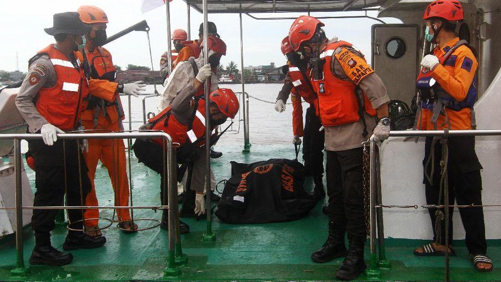 Total 17 Kapal Nelayan Tenggelam di Pontianak, 10 Orang Meninggal