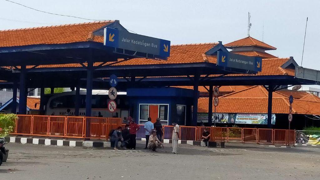 Bus Hantu Banyuwangi-Surabaya Hanya 5 Menit Langsung Raib Usai Turunkan Penumpang