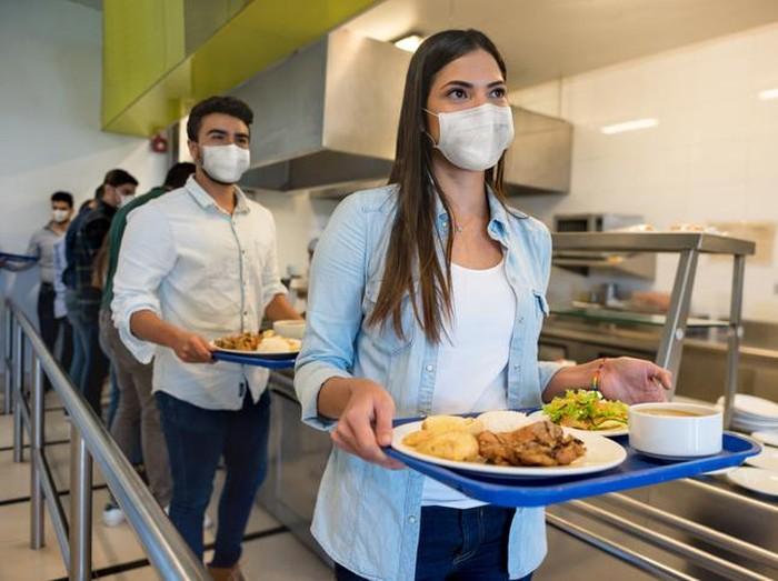 Hotman Paris Beri Tips Terkait Larangan Pemerintah Turunkan Masker Saat Makan
