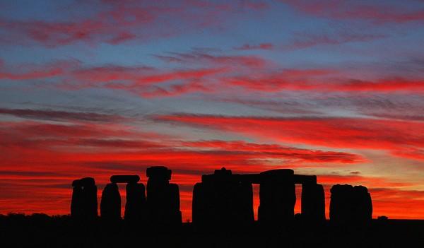 Banyak spot-spot dunia yang memiliki sunset yang menawan (Foto: Getty Images)