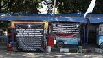 Kibarkan Bendera Putih, PKL Bandung Tolak PPKM Darurat Diperpanjang