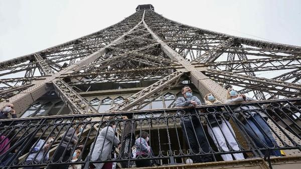 Penutupan itu sekaligus sebagai yang terlama setelah Perang Dunia II.(AP Photo/Michel Euler)