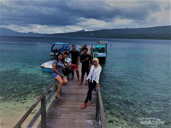 Bersama teman ke Pulau Menjangan.