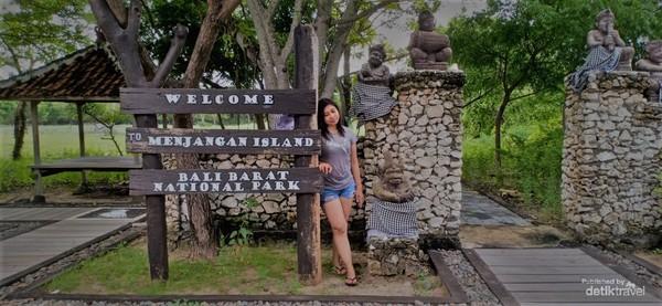 Gerbang di Pulau Menjangan.