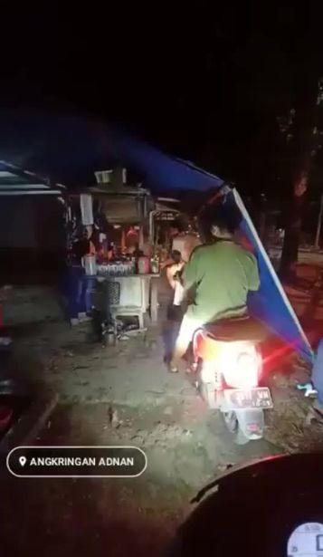 Viral Angkringan Drive Thru di Rembang, Begini Faktanya