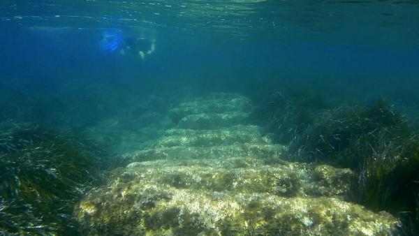 Pelabuhan kuno yang kini tenggelam 200 kaki dari garis pantai Limassol ini siap menjadi objek wisata baru di Siprus. Dimana para wisatawan pehobi snorkeling akan dimanjakan dengan petualangan menyusuri pelabuhan.