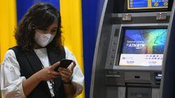 Bisa Pakai HP, Buka Rekening Nggak Perlu ke Kantor Bank Lagi