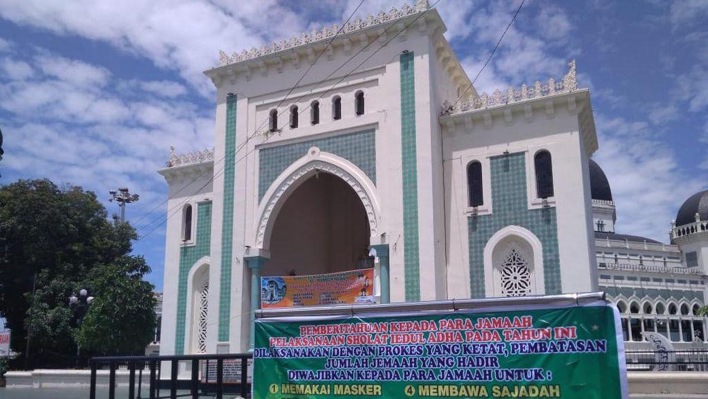 Menag Tegaskan Masjid Tak Ditutup, Hanya Melarang Ibadah Berjamaah