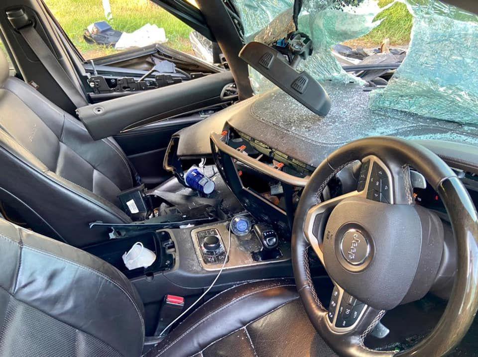 Jeep Grand Cherokee destruido, los airbags no salen