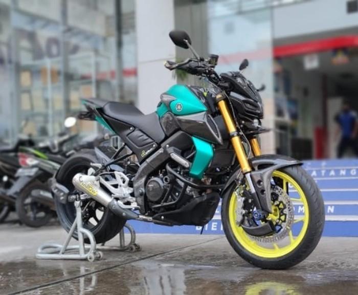 Modifikasi Yamaha MT-15 gaya hyper naked