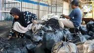 Berkah Idul Adha Bagi Penjual Arang di Pasuruan, Omzet Naik 2 Kali Lipat