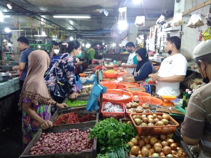 Pedagang bumbu mulai diserbu warga jelang Idul Adha (Datuk-detikcom)