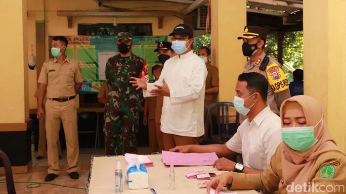 Pemkot Pasuruan menyalurkan Bantuan Sosial Tunai (BST) kepada 5.700 Kepala Keluarga (KK). BST itu diharapkan meringankan beban warga terdampak pandemi dan PPKM Darurat.
