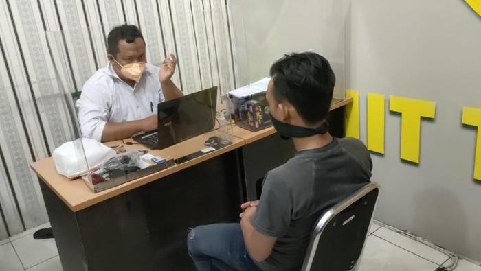 Pengunggah Pamflet Provokasi Aksi Tolak PPKM Darurat di Banyumas ditangkap polisi, Senin (19/7/2021).