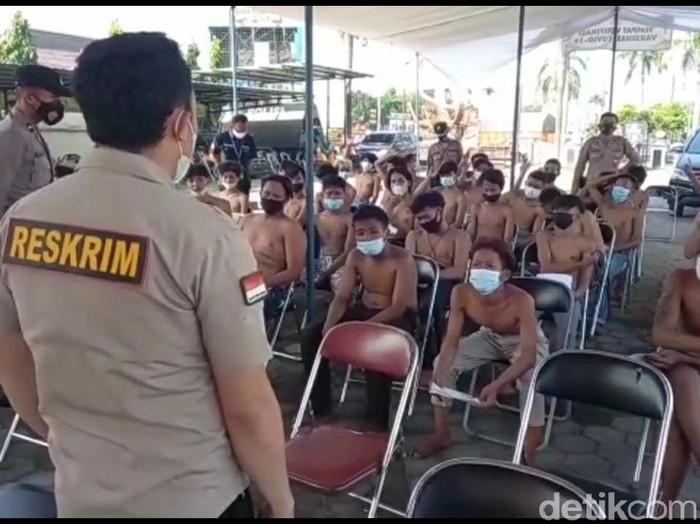 Polres Tegal Kota amankan puluhan orang yang termakan hoax aksi tolak PPKM Darurat, Senin (19/7/2021).